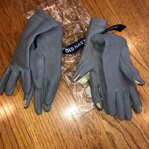 NWT bundle of 2 old navy texting gloves